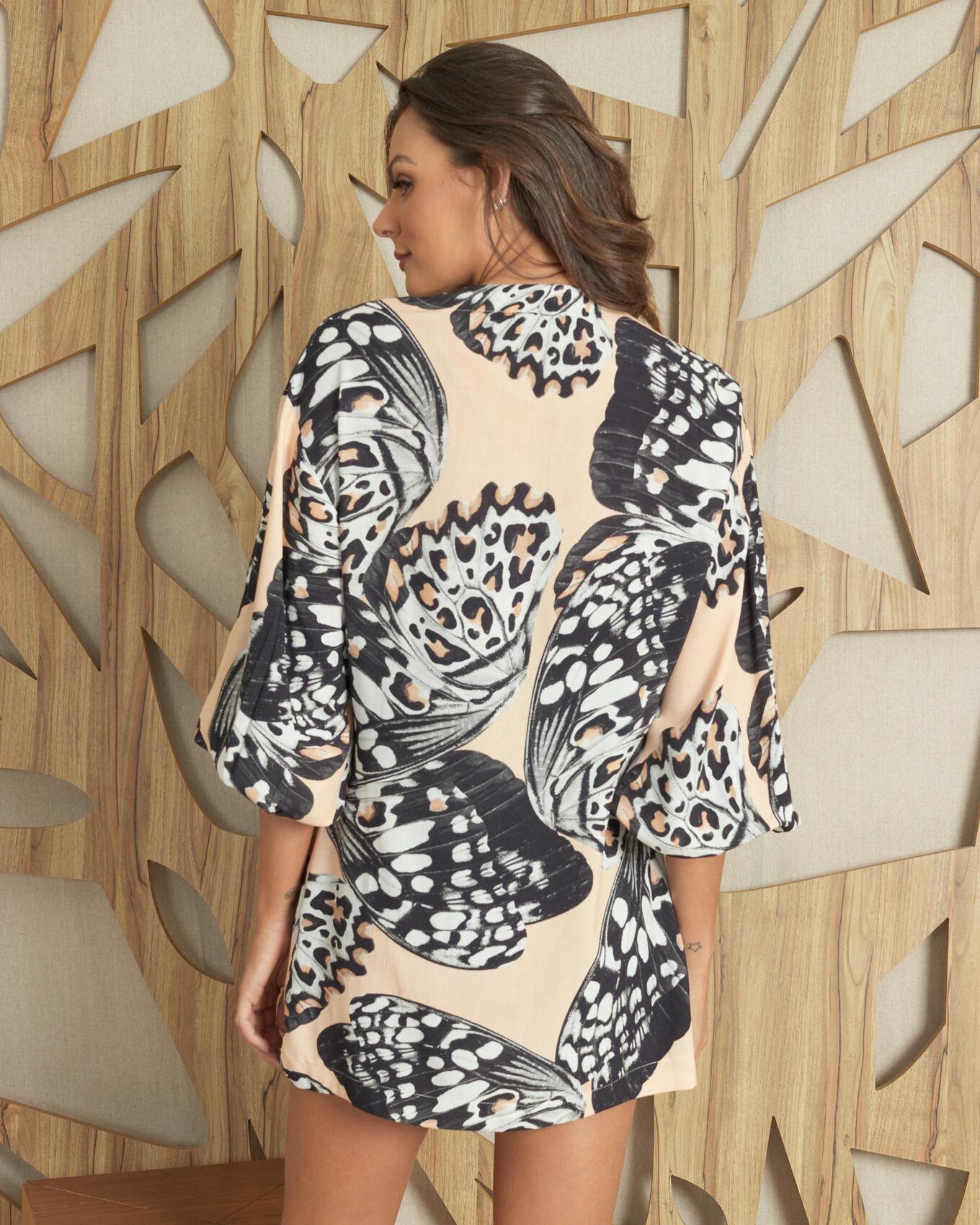 Kimono manga longa estampa borboleta animal print