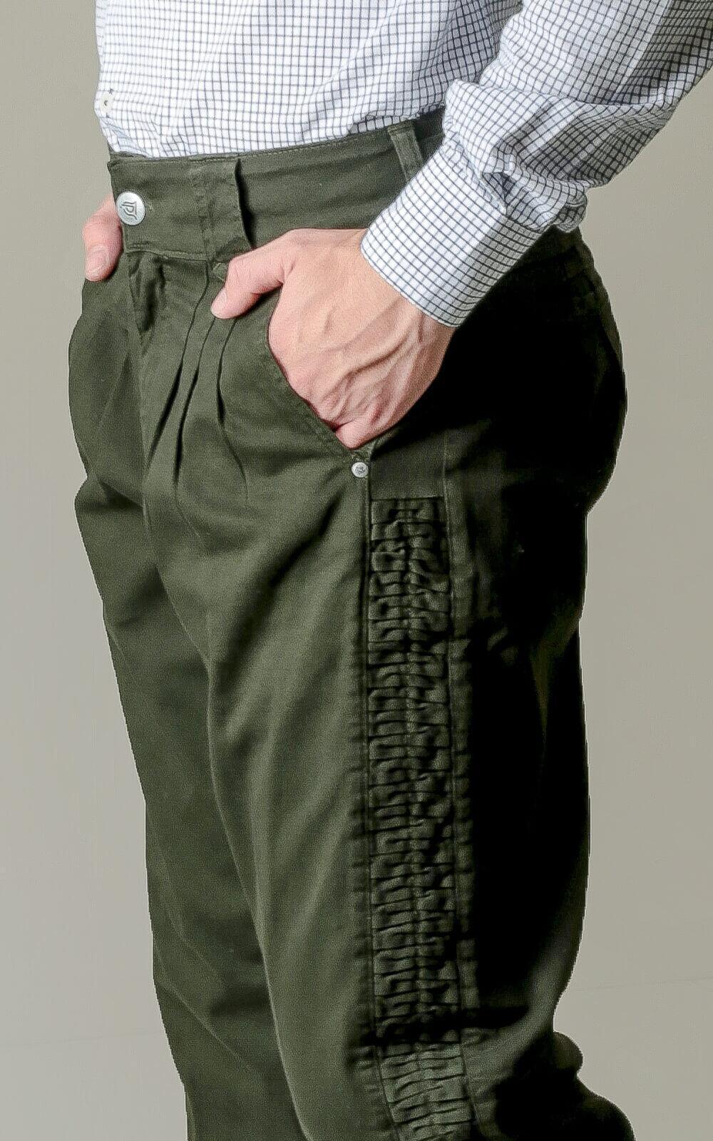 Bombacha Masculina Montaria com Elastano e Favos - Cor Verde Musgo
