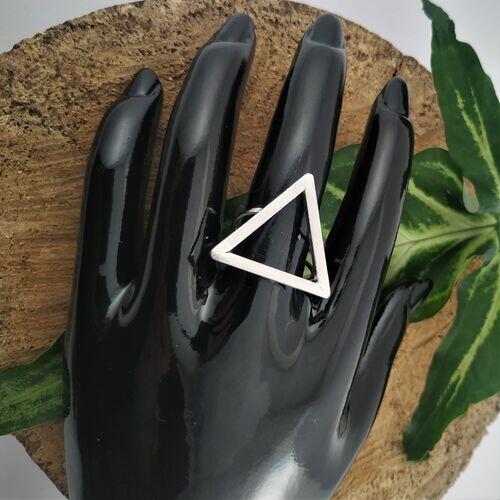 Anel triângulo ródio fosco